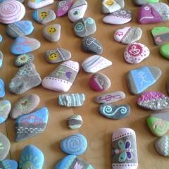 Bemalte Steine – Tischdeko